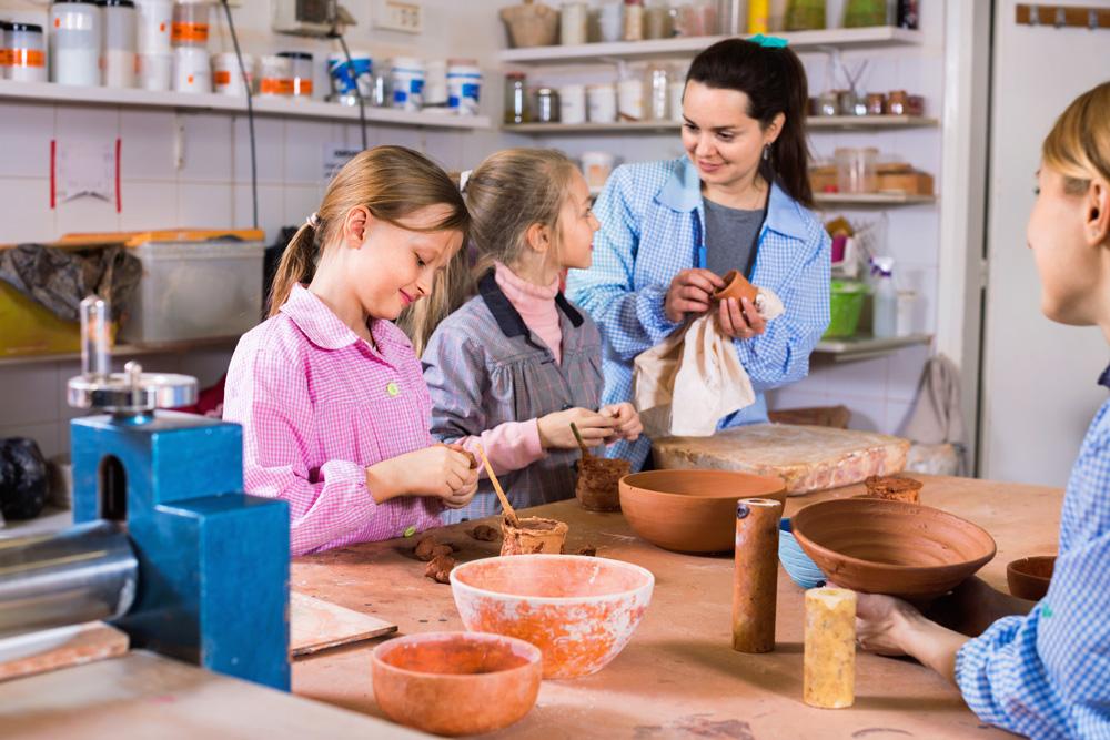 kids crafting